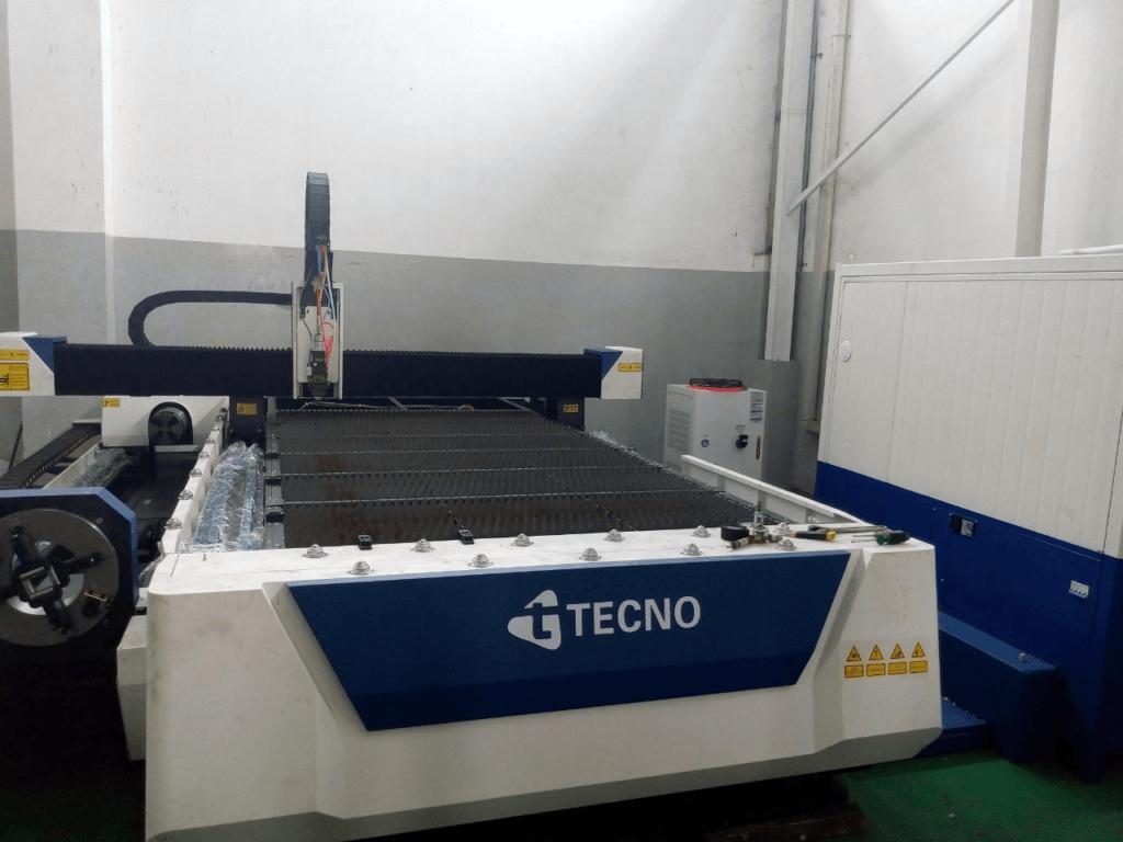 Mesin CNC Laser Cutting untuk plat kombinasi dengan pipa sekaligus